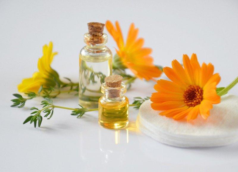 remplacer une huile végétale pour huiles essentielles